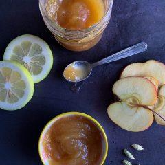 Confettura extra di mele, limone e cardamomo